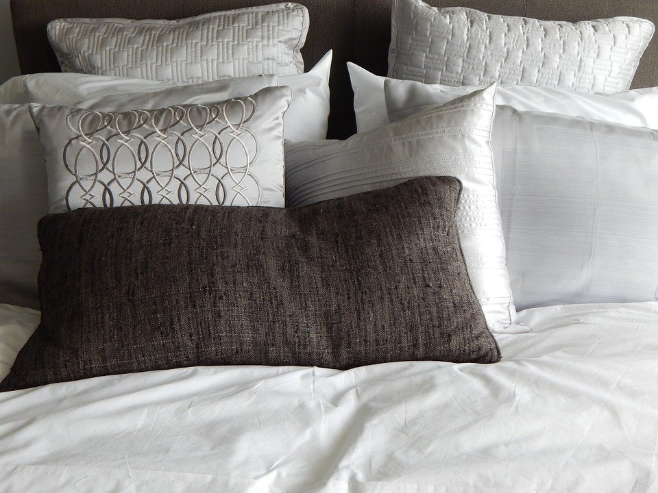 pillows-890559_960_720
