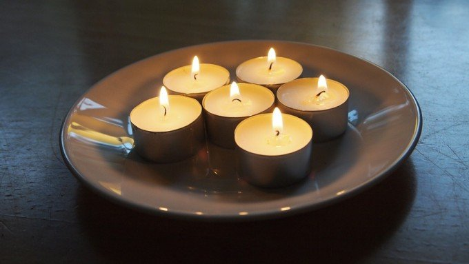 candles-987006_960_720