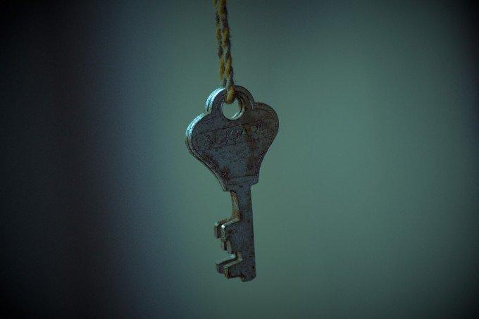 key-106885_960_720