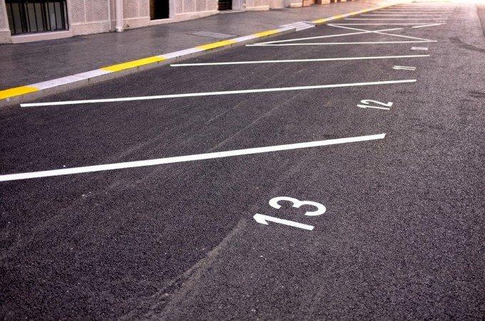parking-705873_960_720