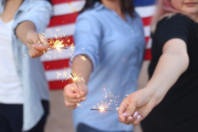 sparklers-828570_1280