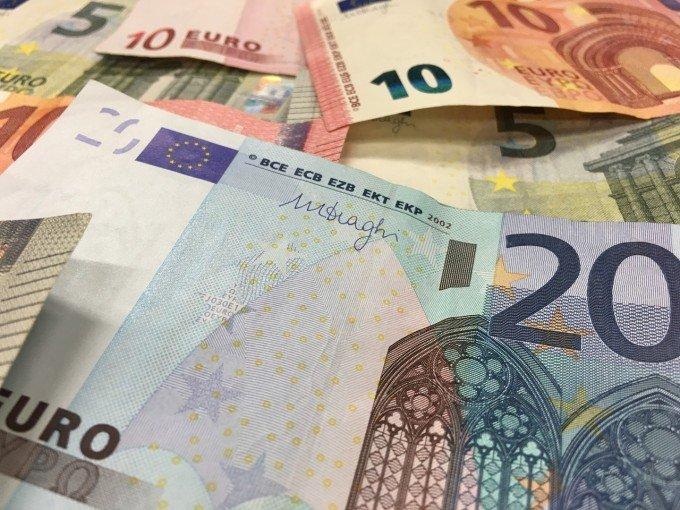 money-1048186_1280