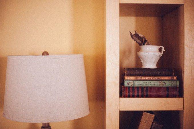 book-shelf-349938_1280