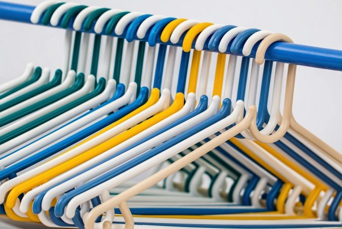 clothes-hangers-582212_1280