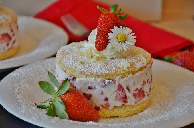 strawberries-1352128_1280